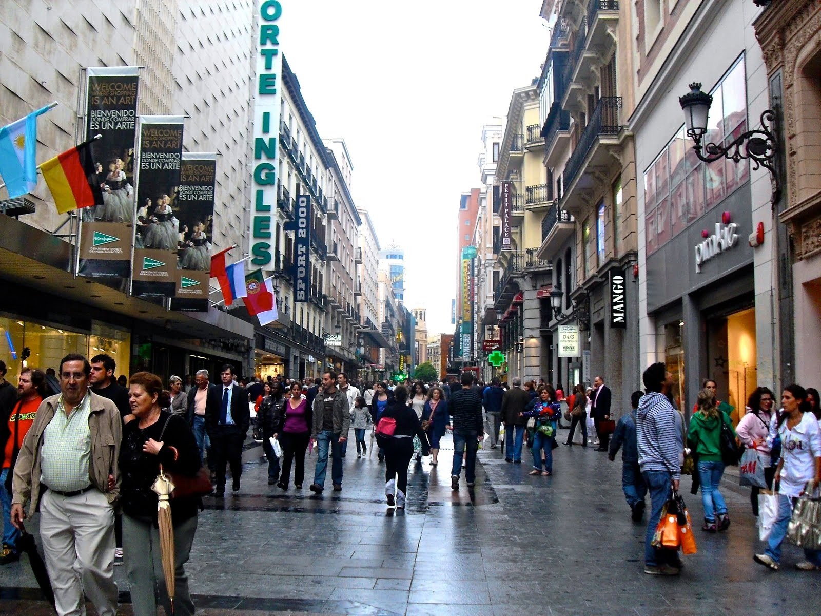 La Franquicia de Moda. Calle Preciados, Madrid